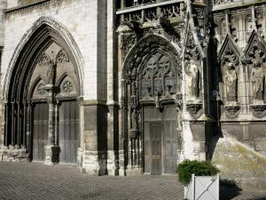Louviers - Portals of the west facade of the Notre-Dame church of Gothic style