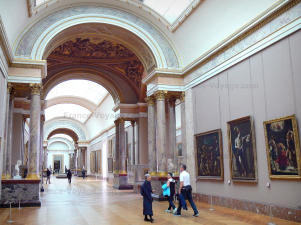 The Louvre Museum - Tourism, holidays & weekends guide in Paris