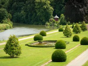 Le Lude castle - Gardens of Le Lude castle: lower garden (French-style formal garden) along River Loir