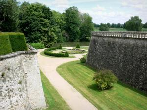 Le Lude castle - View of the pond of the bottom garden (French-style formal garden) along River Loir
