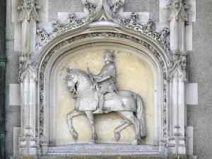 Le Lude castle - Equestrian statue of Jean de Daillon on the north facade of the castle