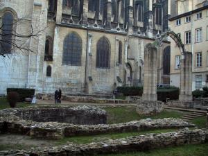 Lyon - Old Lyon: archaeological garden and Saint-Jean cathedral