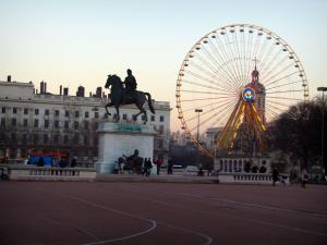 Lyon - Peninsula: Bellecour square