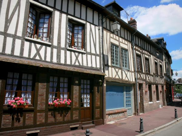 Lyons-la-Forêt - Facades of half-timbered houses of the village