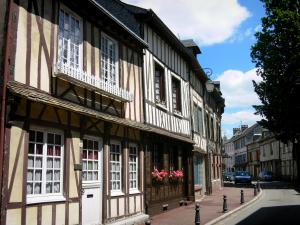 Lyons-la-Forêt - Street lined with half-timbered houses