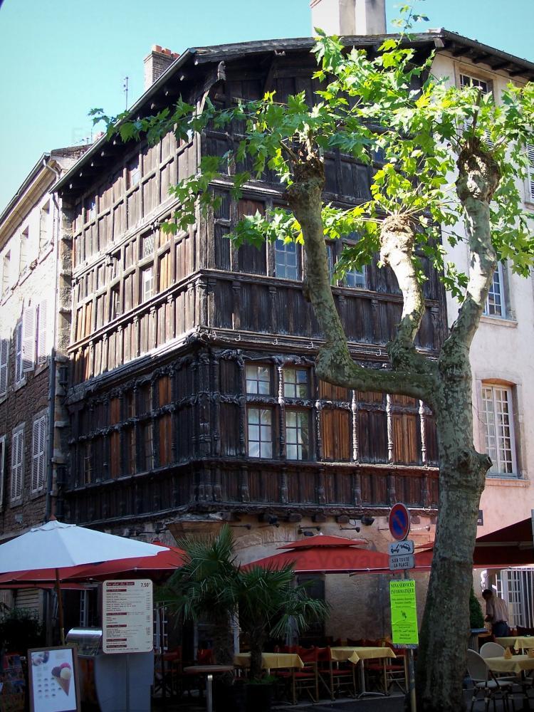 Photos m con guide tourisme vacances - La maison de bois macon ...