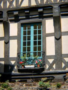 Le Mans - Old Mans - Plantagenet town: facade of a half-timbered house in the old town