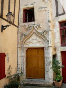 Le Mans - Old Mans - Plantagenet town: door of the Argouges mansion
