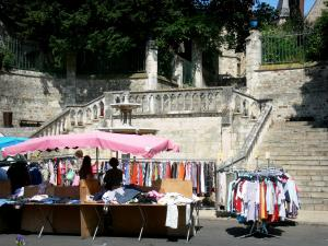 Le Mans - Market (clothing booth) at the foot of the Jet d'eau staircase