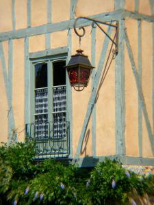 Le Mans - Facade of a house with wood sides of the old town