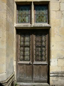 Le Mans - Old Mans - Plantagenet town: door of the Queen Berengaria museum