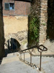 Le Mans - Old Mans - Plantagenet town: Grande Poterne staircase