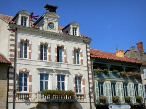 Marciac - Town Hall and Guichard house home to the tourist office Bastides et Vallons du Gers