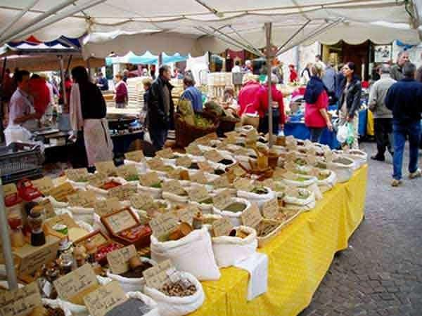 The markets of the Lot - Gastronomy, holidays & weekends guide in the Lot