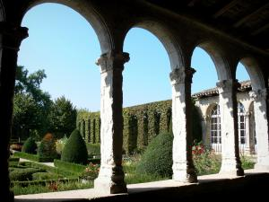 Marmande - Arcades in the Renaissance cloister overlooking the French-style formal garden