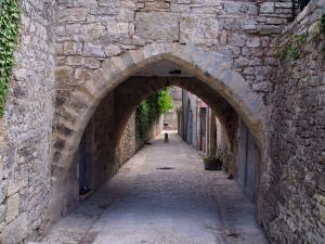 Martel - Arched passage, in the Quercy