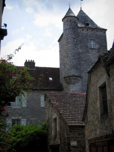 Martel - Mirandol tower and houses of the city, in the Quercy