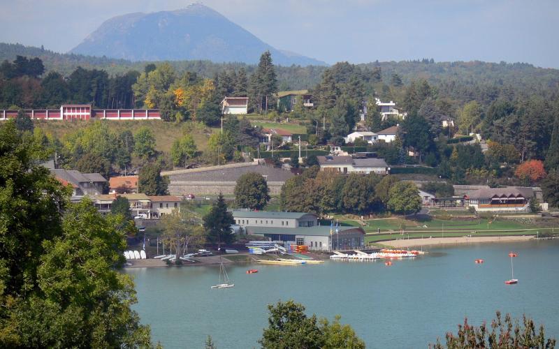 Villes villages du massif central tourisme vacances week end - Office tourisme massif central ...