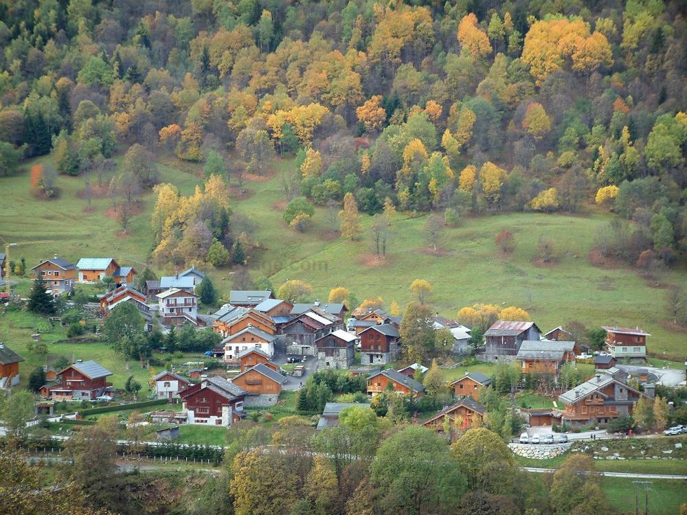 Foto m ribel guida turismo e vacanze for Cabine della foresta lacustre