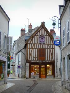 Meung-sur-Loire - Shops and houses of the city