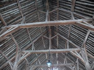 Milly-la-Forêt - Wooden structure of covered market hall
