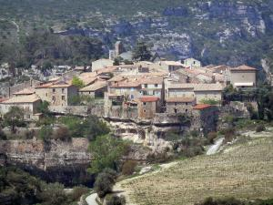 Minerve - Church and houses of the village standing on a rocky mountain spur, in the Upper Languedoc Regional Nature Park