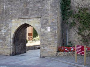 Mirepoix - Medieval bastide town: Porte d'Aval gate (fortified gate)