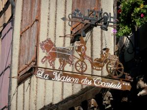 Mirepoix - Medieval bastide town: sign of the Maison des Consuls