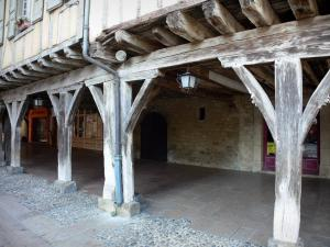 Mirepoix - Medieval bastide town: wooden gallery on the central square (place des couverts)