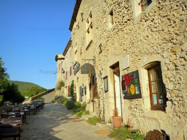 Mirmande - Tourism, holidays & weekends guide in the Drôme