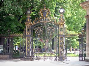 Monceau park - Park entrance gate