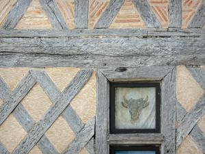 Monflanquin - Medieval bastide town: timber framing