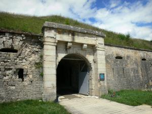 Mont-Bart fort - Entrance to the fort