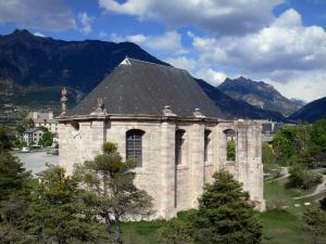 Mont-Dauphin - Citadel (fortified town built by Vauban): Saint-Louis church; mountains in background