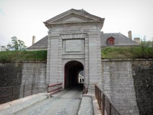 Mont-Dauphin - Citadel (fortified town built by Vauban): Briançon gateway and its drawbridge