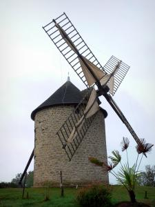 Mont-Dol - Windmill at the top of the mountain