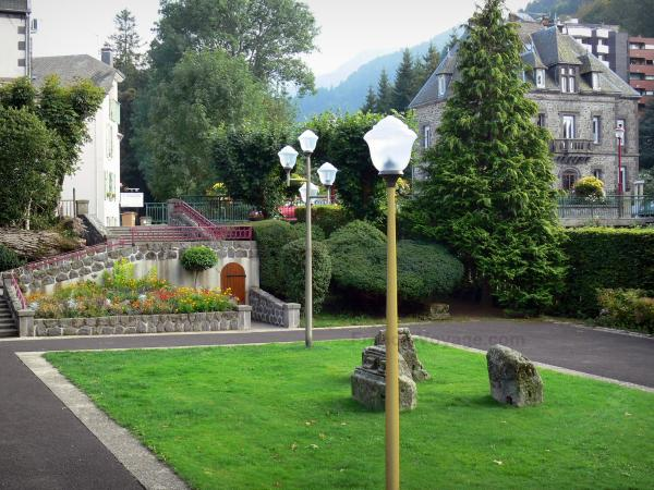 Le Mont-Dore - Spa town: park and houses; in the Auvergne Volcanic Regional Nature Park, in the Monts Dore mountain area