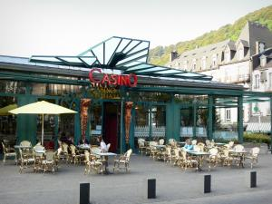 Le Mont-Dore - Spa town: Casino and its terrace