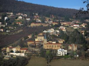 Mont-d'Or lyonnais - Houses and church in a village