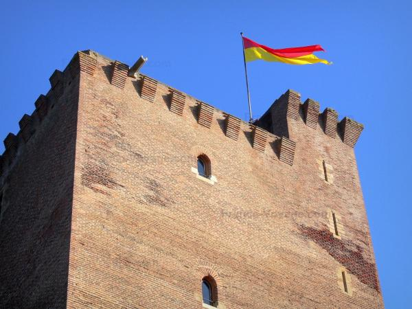 Montaner Castle - Tourism, holidays & weekends guide in the Pyrénées-Atlantiques