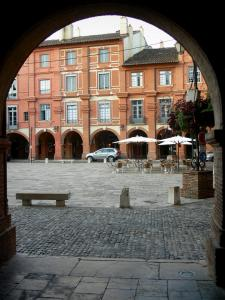 Montauban - View of the Place National square and houses with arcades