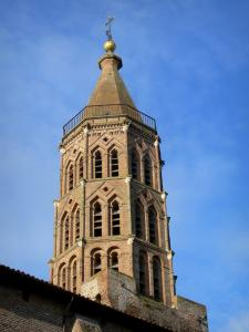 Montauban - Toulouse-style octagonal bell tower of the Saint-Jacques church