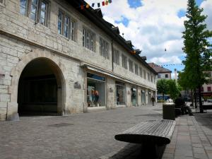 Montbéliard - Market hall and square decorated with benches and trees