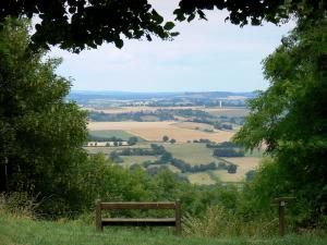 Montenoison Butte - Bench overlooking the landscape of Nivernais