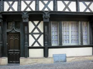 Montluçon - Facade of a half-timbered house in the old town