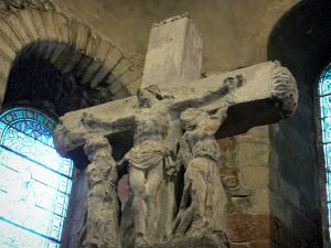 Montluçon - Inside the Saint-Pierre church: junction cross