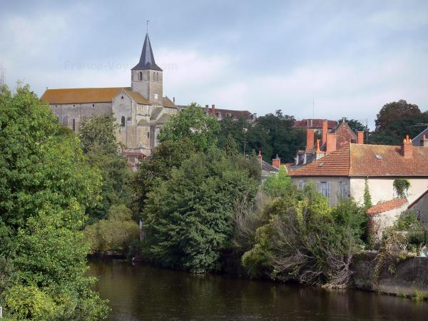 Montmorillon - Tourism, holidays & weekends guide in the Vienne