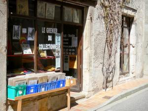 Montolieu - Front of a bookstore