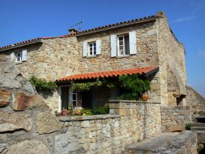 Montpeyroux - Stone house of the medieval village