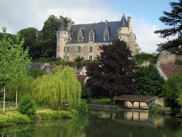 Montrésor - Tourism, holidays & weekends guide in the Indre-et-Loire